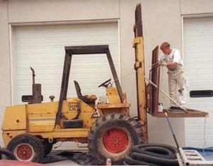 Click image for larger version  Name:Forklift.jpg Views:186 Size:23.8 KB ID:13254