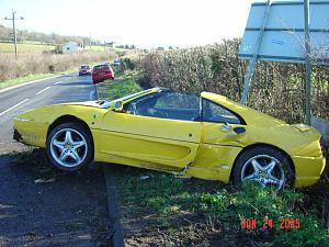 Click image for larger version  Name:dads ferrari crash 001.jpg Views:271 Size:158.3 KB ID:2853