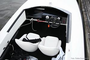 Click image for larger version  Name:Hydroline525_interior.jpg Views:661 Size:49.4 KB ID:29664