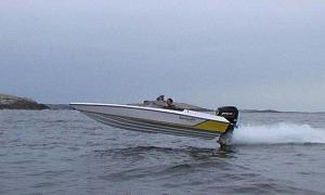 Click image for larger version  Name:T20_flying-low1cut.jpg Views:1272 Size:34.4 KB ID:29666