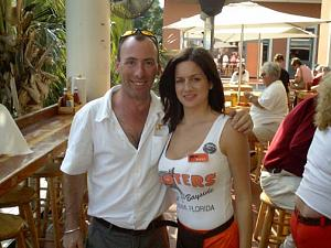 Click image for larger version  Name:hooters imga0328 small.jpg Views:305 Size:64.2 KB ID:3491