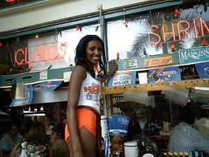 Click image for larger version  Name:hooters sticker imga0323.jpg Views:269 Size:71.1 KB ID:3496