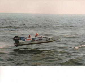 Click image for larger version  Name:powerboat3ccat.jpg Views:265 Size:86.7 KB ID:35283
