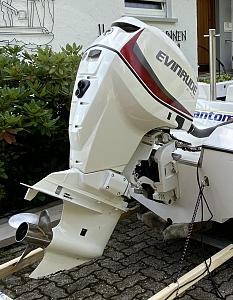 Click image for larger version  Name:Evinrude-E-Tec-115-red.jpg Views:0 Size:124.7 KB ID:52584