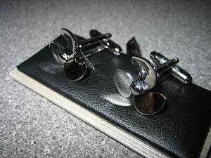 Click image for larger version  Name:cufflinks.jpg Views:462 Size:70.9 KB ID:6621
