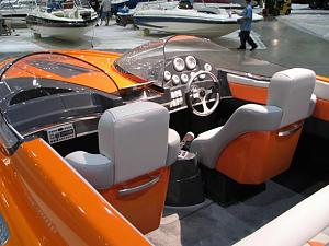 Click image for larger version  Name:1780la_boat_show_2006_008.jpg Views:393 Size:55.0 KB ID:7552