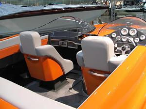 Click image for larger version  Name:1780la_boat_show_2006_010.jpg Views:379 Size:48.0 KB ID:7554