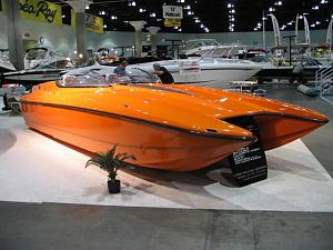 Click image for larger version  Name:1780la_boat_show_2006_013.jpg Views:384 Size:54.9 KB ID:7555